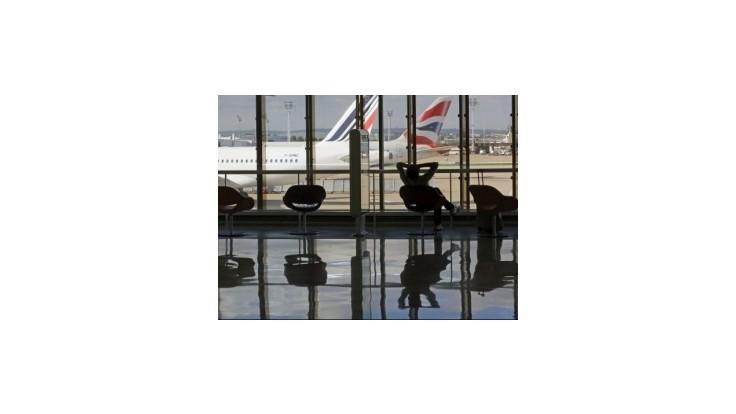 Piloti Air France nastupujú v pondelok do štrajku