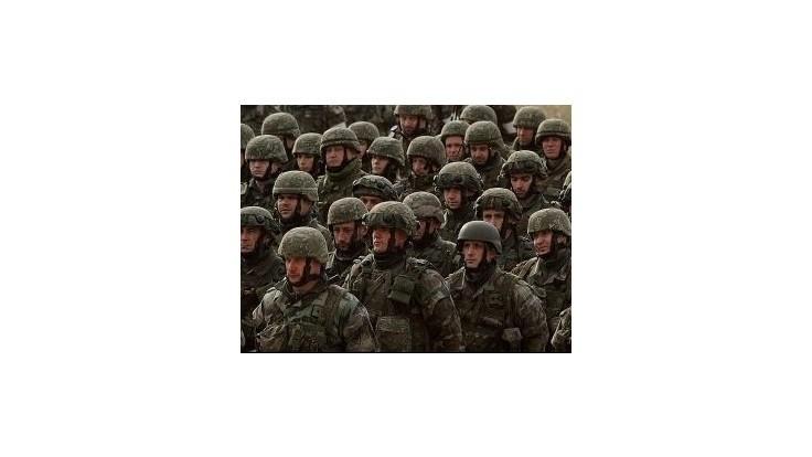Lipšic chce navyšovať rozpočet pre armádu ústavným zákonom