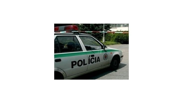 Za video maturantov s policajným autom potrestali policajta