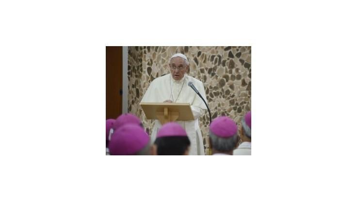 Pápež zvolal svojich vyslancov na poradu o postupe voči Islamskému štátu