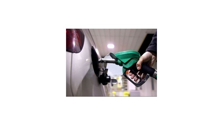 Benzíny minulý týždeň na Slovensku zdraželi