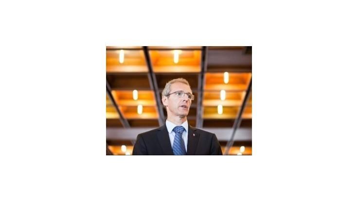 Slovenskí europoslanci sú pri vypočúvaní členov Komisie aktívni
