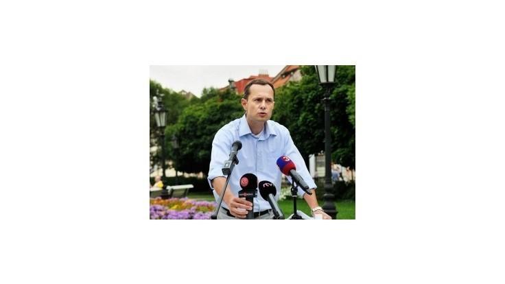 Slovensko nepatrí len smerákom, odkázal Procházka Ficovi