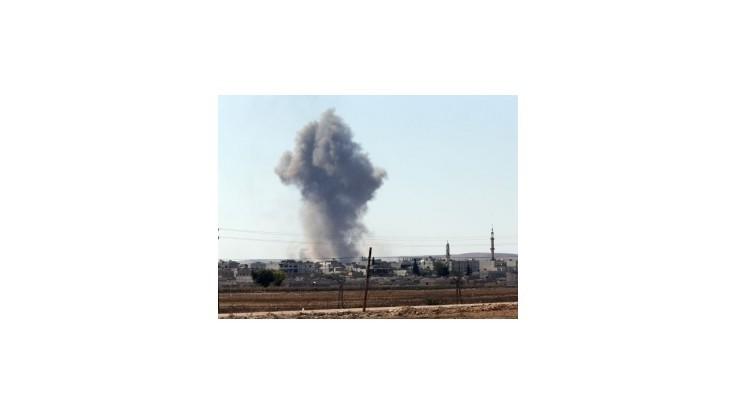 USA podnikli vo štvrtok 9 náletov v Kobané, militanti z IS však postupujú
