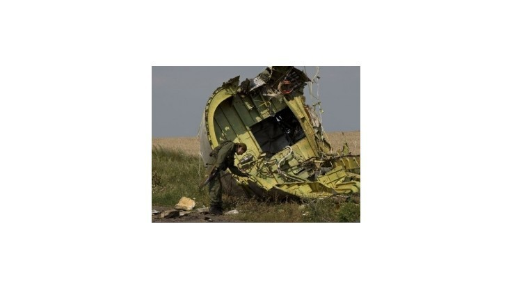 Separatisti povolia prístup k miestu zrútenia letu MH17