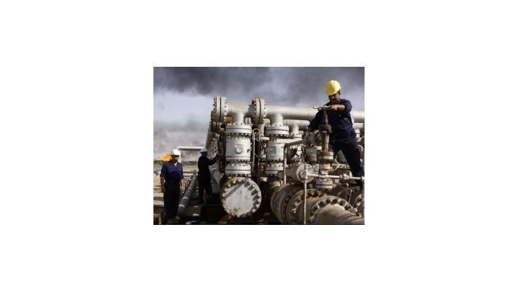 Ceny ropy klesli viac ako o jeden dolár