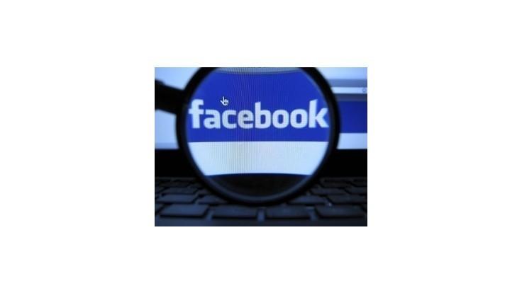 Stoštrnásťročná žena musela na Facebooku klamať o svojom veku
