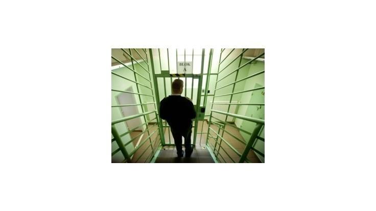 Väzni chceli ujsť z ilavskej väznice, prevŕtali sa cez strop lyžicami