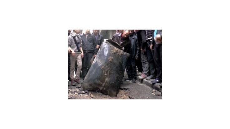 Sýrsky utečenecký tábor bombardovali barelovými bombami