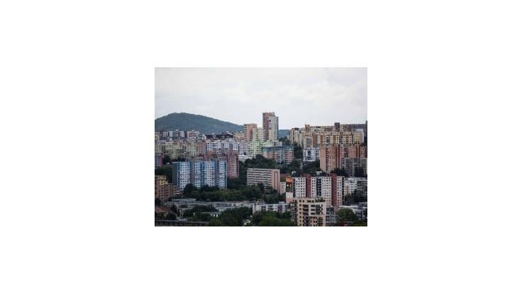 V Bratislavskom kraji sú najvyššie platy a najdrahšie byty