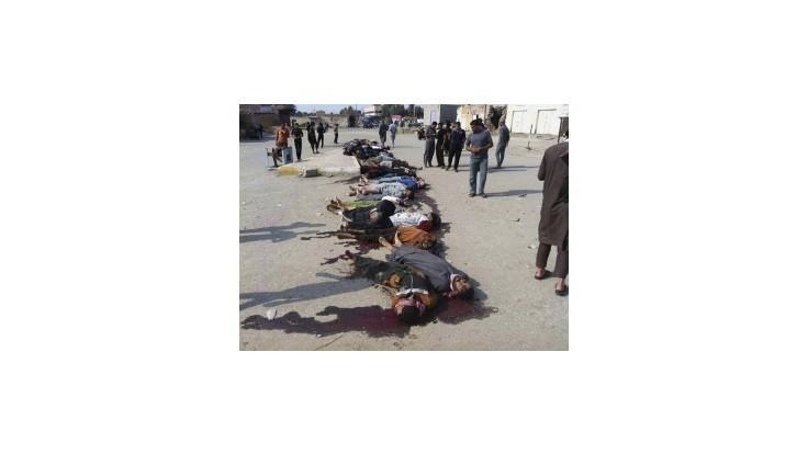 V masovom hrobe našli telá 150 sunnitských bojovníkov proti džihádistom