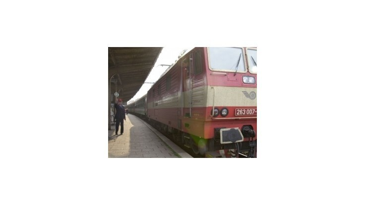 Internetová petícia proti vlakom zadarmo má 10 000 podpisov