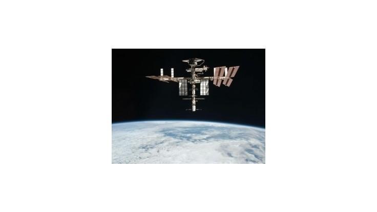 Traja kozmonauti z ISS sa vrátili na Zem