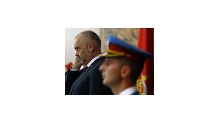 Albánsky premiér po desaťročiach navštívil Srbsko, žiadal uznanie Kosova