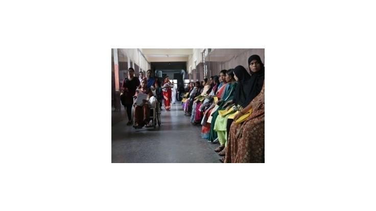 Niekoľko Indiek zomrelo po bezplatnej sterilizácii, desiatky v kritickom stave