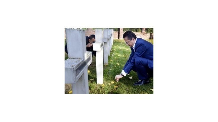 Na cintoríne si Glváč uctil pamiatku vojnových veteránov