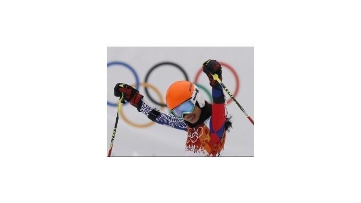 Vanessa Mae zabojuje proti trestu od lyžiarskej federácie