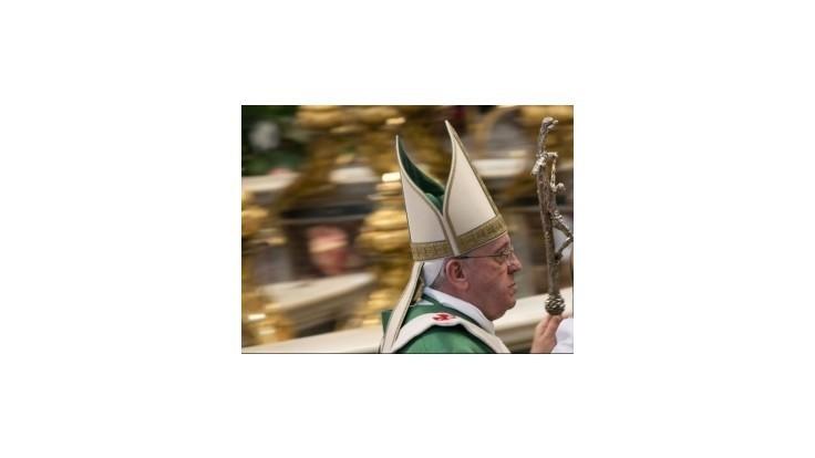 Pápež odsúdil eutanáziu a umelé oplodnenie