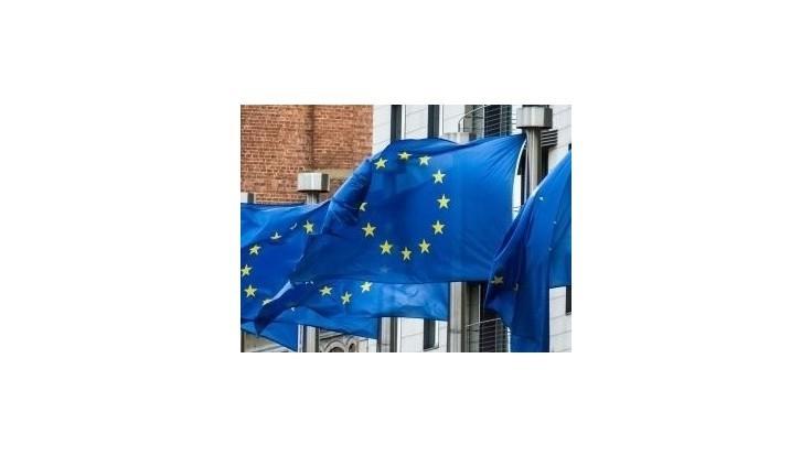 Predseda Kövér opäť vykázal z maďarského parlamentu vlajku EÚ