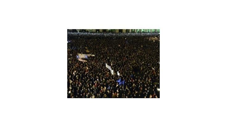 Proti Orbánovej vláde protestovalo v Budapešti 20.000 ľudí