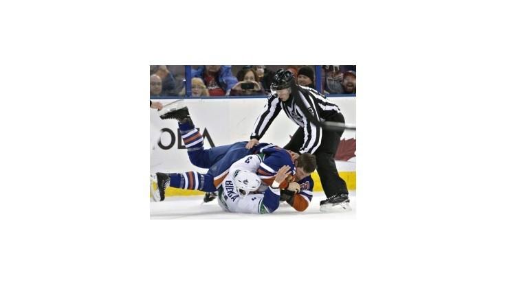 Oilers bez Marinčina podľahli Vancouveru, Rangers vynulovali Flyers