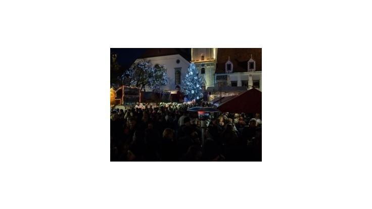 Začali sa Staromestské vianočné trhy, padol na nich nový rekord
