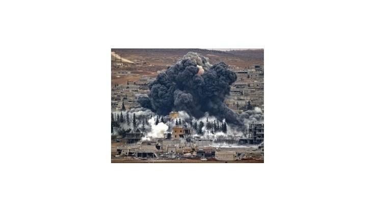 Letecké útoky na Islamský štát v Sýrii majú už vyše 900 obetí