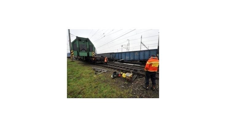 Škody po vykoľajení nákladného vlaku v Ostrave odhadli na 5,6 milióna Kč