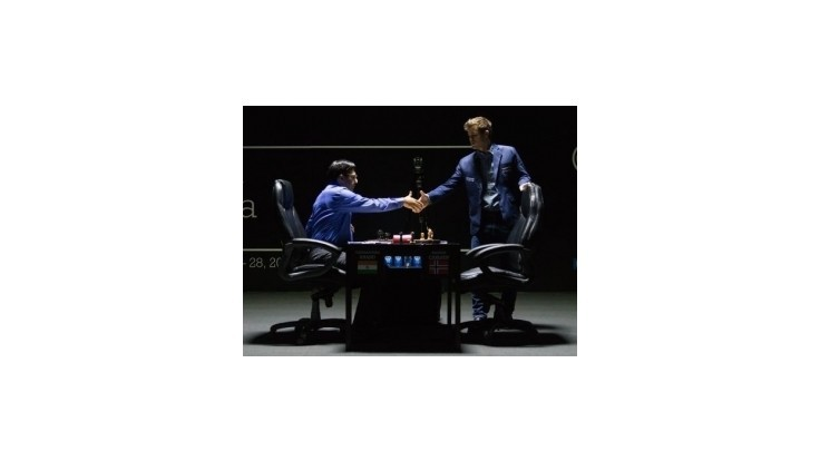 Nór Carlsen obhájil titul majstra sveta v šachu