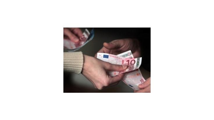 V obehu je oproti vlaňajšku dvojnásobok falošných bankoviek