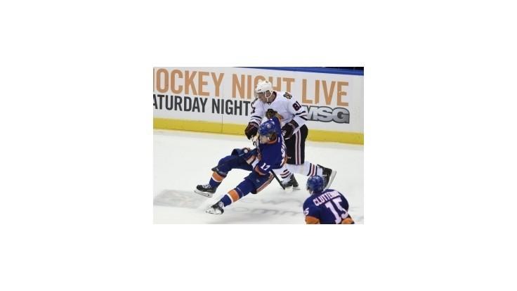 Islanders prerušili víťaznú sériu Chicaga, Višňovský prispel gólom