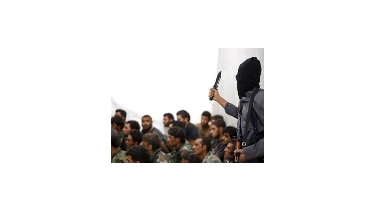 Na východe Sýrie objavili masový hrob s vyše 230 obeťami Islamského štátu
