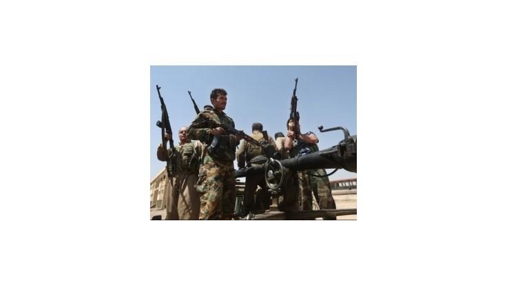 Kurdi vybojovali priechod na horu Sindžár, tisíce jezídov môžu odtiaľ ujsť