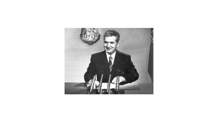Diktátor Ceaucescu pred 25 rokmi ušiel z Bukurešti, skončil neslávne