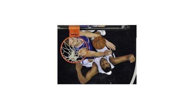 Parker sa vrátil a San Antonio zdolalo LA Clippers