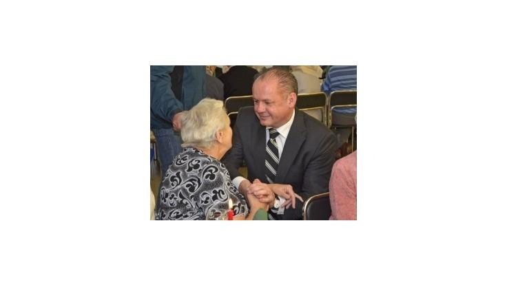 Prezident Kiska sa naobedoval s popradskými seniormi