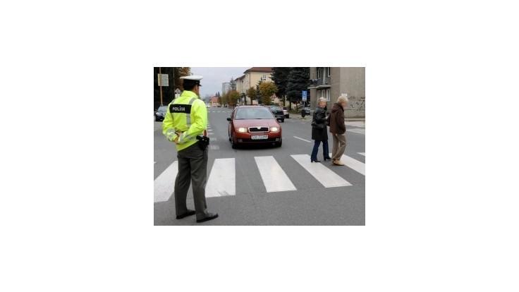 Policajti majú po sviatkoch predĺžené stránkové hodiny