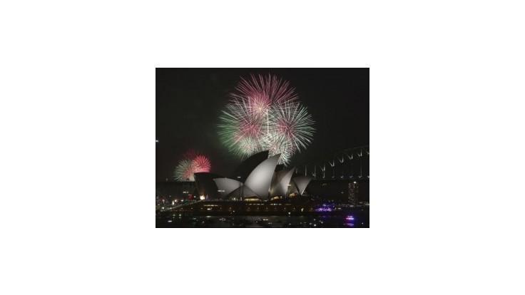 Po svete sa odpaľujú ohňostroje vítajúce Nový rok