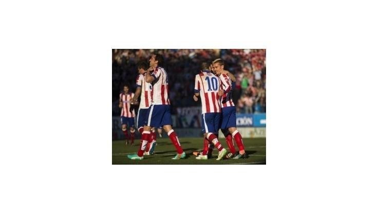 Atletico zdolalo Levante a dotiahlo sa na Barcelonu