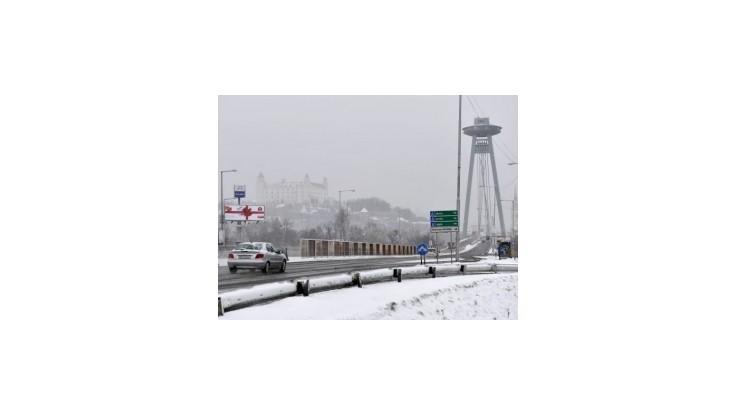 Slováci sa túto zimu dočkali snehu so značným oneskorením