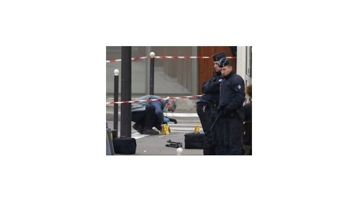 V súvislosti s útokmi v Paríži zatkli 12 ľudí