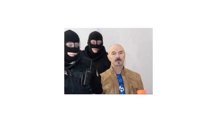 Na megaproces privezli na Slovensko Potkana, údajného vraha mafiánskych bossov