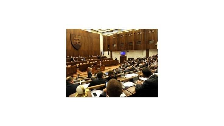 Poslanci budú opäť hľadať dohodu na prísnejších majetkových priznaniach