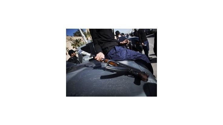 Bezpečnostné zložky v Tripolise obkľúčili hotel s ozbrojencami