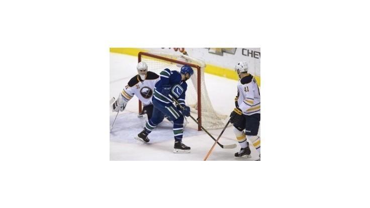 Slováci v nočných zápasoch NHL nebodovali, Buffalo prehralo 14. zápas po sebe