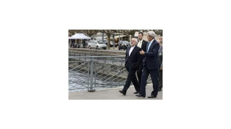 Kerry hovoril so Zarífom o vývoji v jadrových rokovaniach