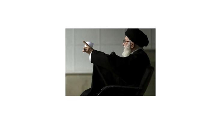 Na Obamovu iniciatívu spoločného americko-iránskeho postupu voči IS odpovedal ajatolláh vyhýbavo