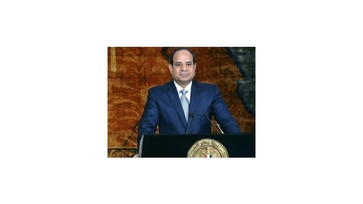 Egypt pomstí hromadné zabitie 21 Egypťanov v Líbyi, tvrdí prezident Sisí