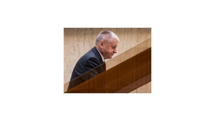 Opozícia sa pokúsi odvolať ministra hospodárstva Pavlisa