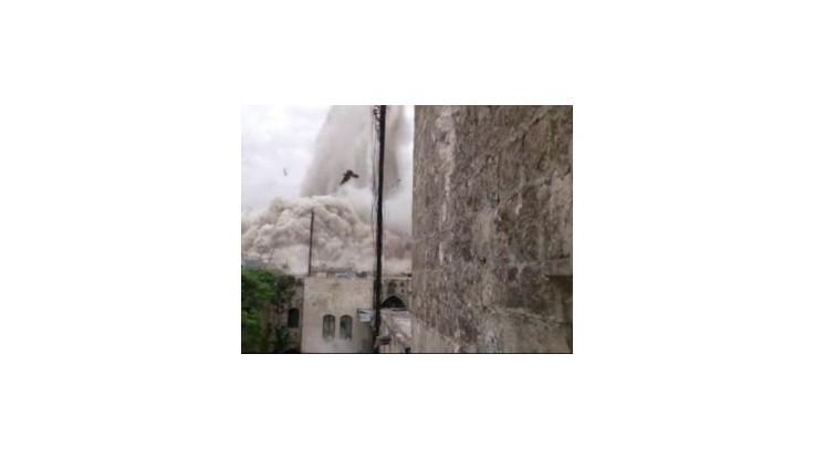 Pri útoku na vládnu budovu v Aleppe zahynuli údajne desiatky ľudí